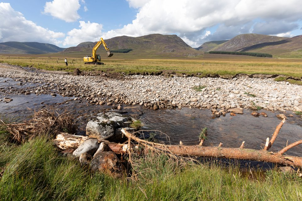 Installation of large woody structure into River Calder, Glen Banchor, Cairngorms National Park